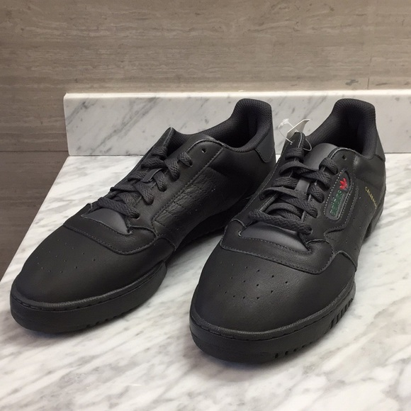 wholesale dealer 1c0e0 47b7c Adidas Yeezy Powerphase Calabasas Size 9.5 Black